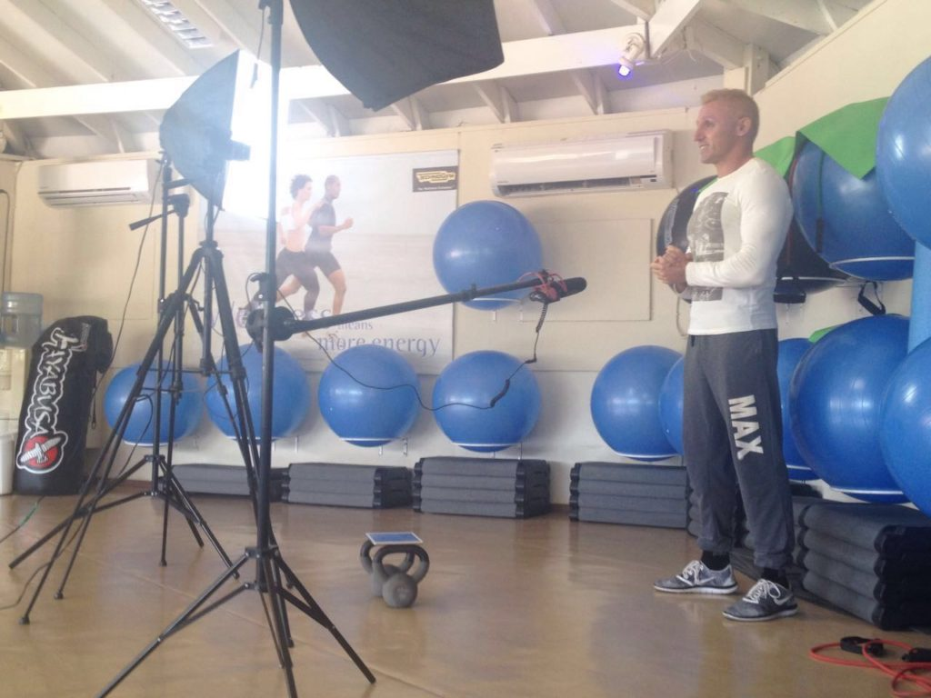 Ivano Cheers Fitness Shooting